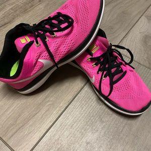 Nike sneakers women's size 8